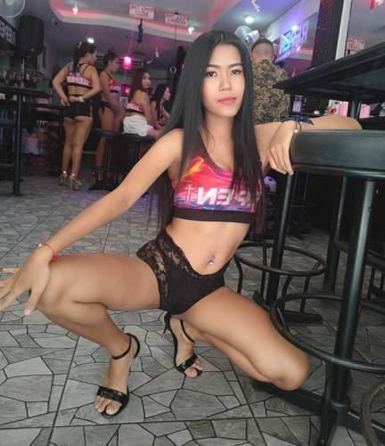Beautiful Thai Bargirl Nightwish Group On Soi 6 Pattaya Beach Thailand