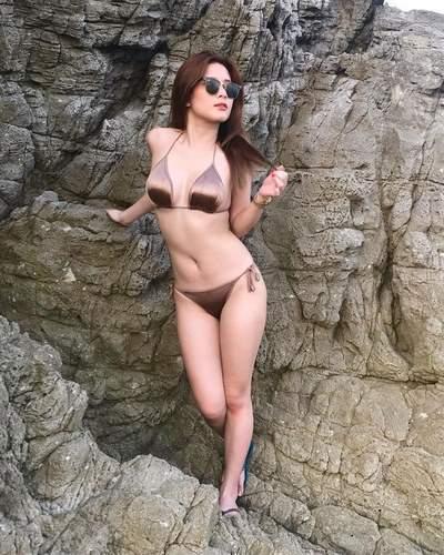 Filipina Redhead Wearing Sunglasses Smoking Hot Lbfm Hard Body