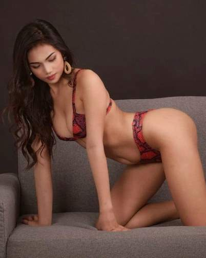 Pretty Filipina Model Beautifully Built Body Sexy Legs