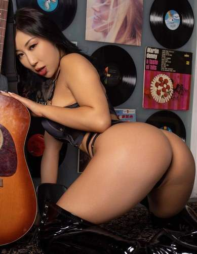 Seductive Japanese Sexy Latex Boots Nice Tight Butt Bending Over